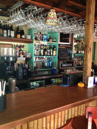 Mangrove Mama's : MM's great bar area