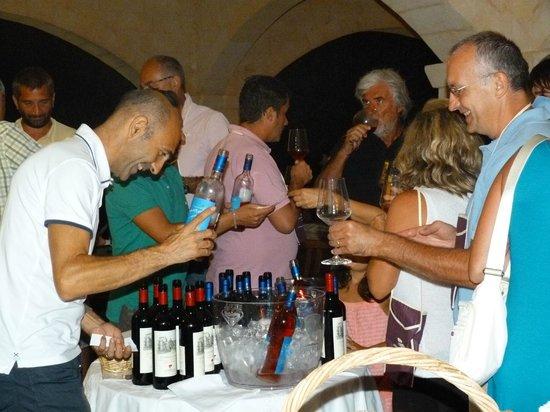 Agricamping Le Radici : Degustazione dei migliori vini del Salento.