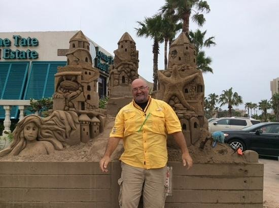 Sandcastle Lessons : Andy with his creation!
