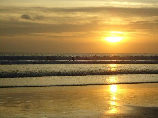 FuramaXclusive Ocean Beach: Vista do hotel.