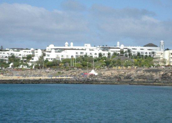 Princesa Yaiza Suite Hotel Resort: Princesa Yaiza from sea