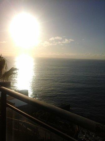 VidaMar Resort Hotel Madeira: sunrise from my balcony