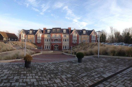 Grand Hotel Ter Duin : Voor aanzicht van het hotel