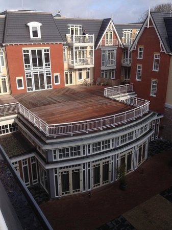 Grand Hotel Ter Duin: Uitzicht op het binnenterrein van het hotel