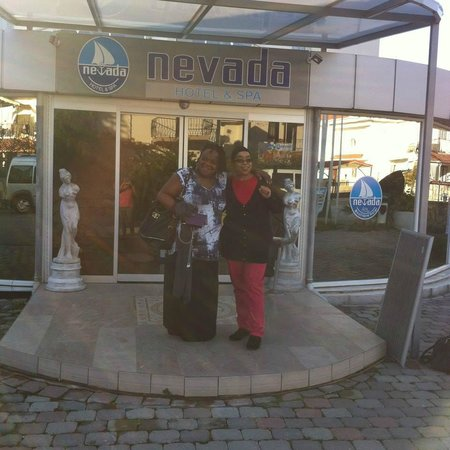 Nevada Hotel & Spa: in front of hotel
