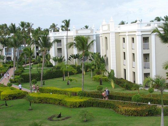 Hotel Riu Palace Bavaro: View of grounds