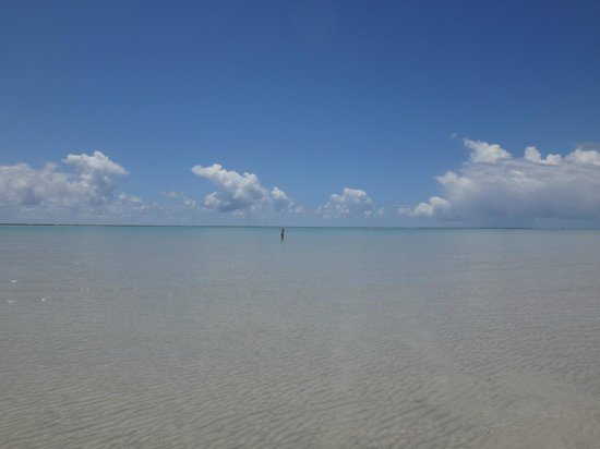 Xareu Beach: Dá pra caminhar por uma longa distância com a água abaixo do joelho!
