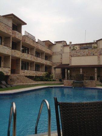 Roca Golf Hotel : Zicht op het zwembad