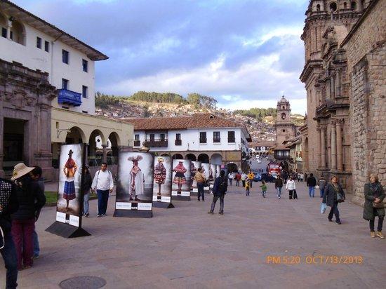 Sonesta Posadas del Inca: la posada se ve al fondo hace esquina desde allí tendrás toda la ciudad.