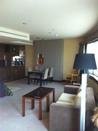 Eurostars Suites Mirasierra: 718 vista interior suite