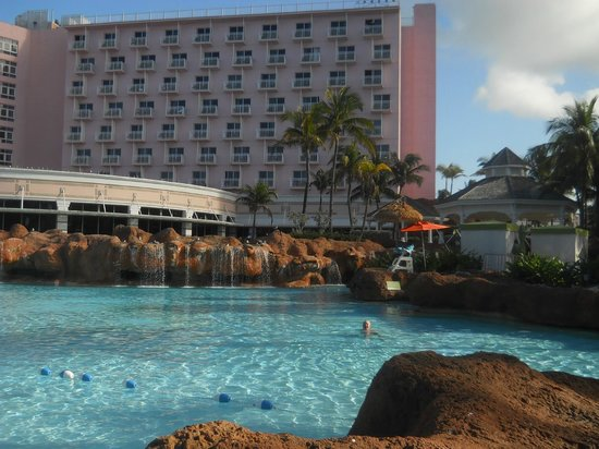 Atlantis, Beach Tower, Autograph Collection : Beach Towers Pool