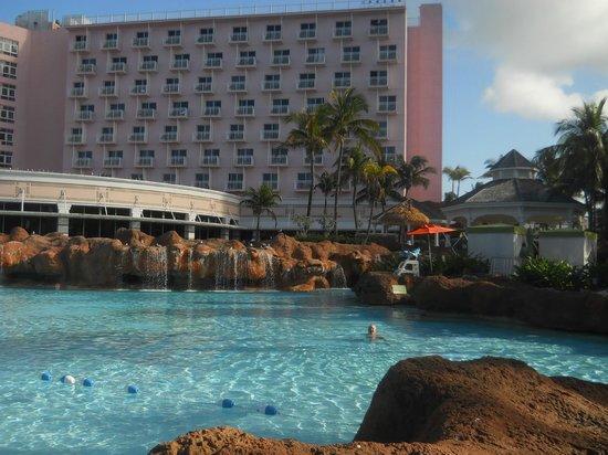 The Beach at Atlantis: Beach Towers Pool