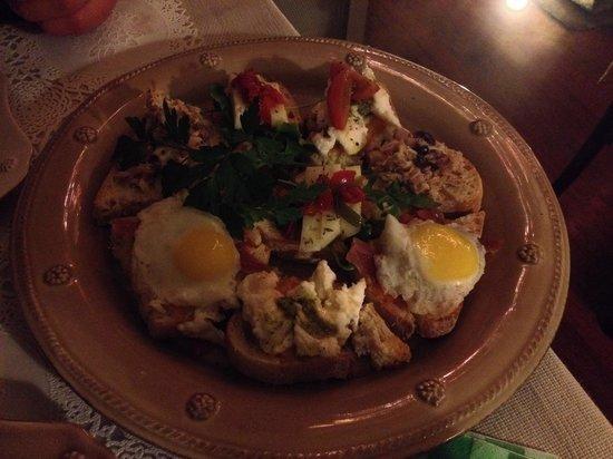 Casinha Sao Joao : Delicious plate of some tapas!!