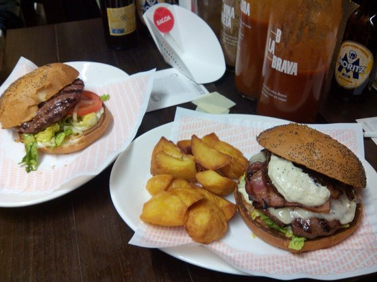 Bacoa Universitat: Hamburguesas fantasticas