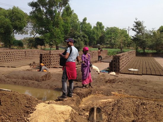 Reality Tours and Travel - Day Tours: Brick making