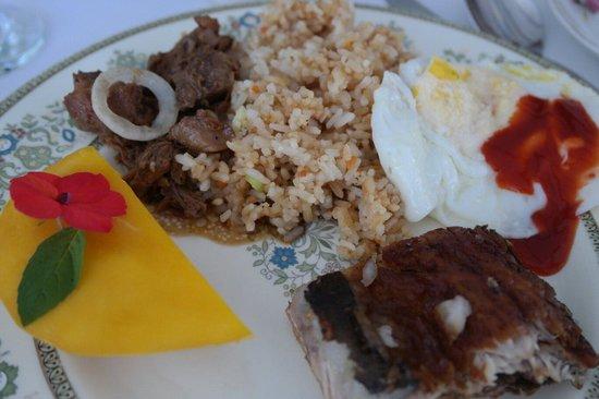 Sonya's Secret Garden: Very expensive breakfast
