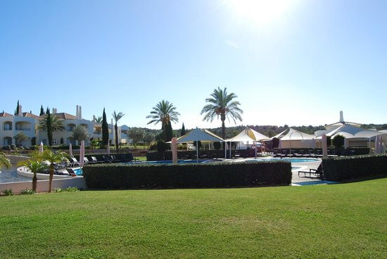 Vale d'Oliveiras Quinta Resort & Spa: Zona do jardim e piscina