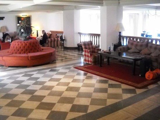 Hotel Apartamentos Trevenque: Trevenque: lobby -1 level