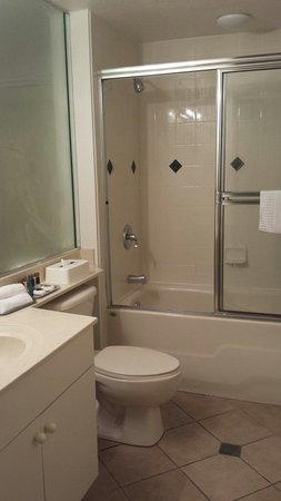 Mystic Dunes Resort & Golf Club: 2nd bath frb 19-26