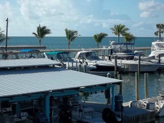 Postcard Inn Beach Resort & Marina at Holiday Isle: Room view of marina