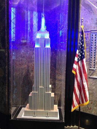Empire State Building : Hall