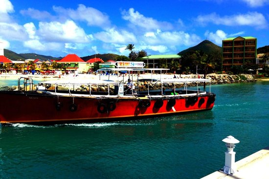 Pasanggrahan Royal Guesthouse: View from the boat!
