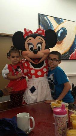 Chef Mickey's: Minnie