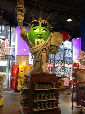 Times Square : M Ms