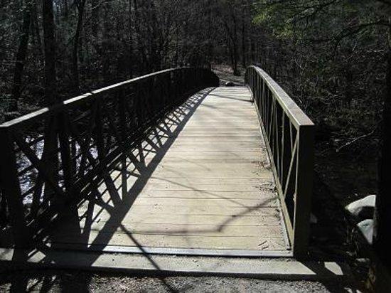 Motel 6 Gatlinburg Smoky Mountains: Bridge on the Walking / Biking Trail