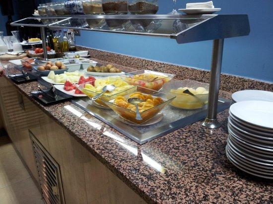 Senator Gran Via 70 Spa Hotel: Desayuno buffet