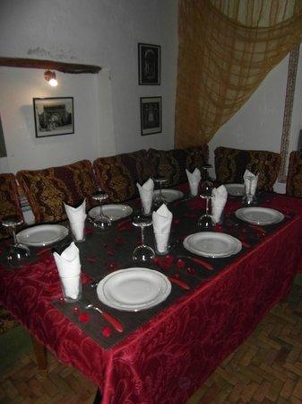 Dar El Paco : The table