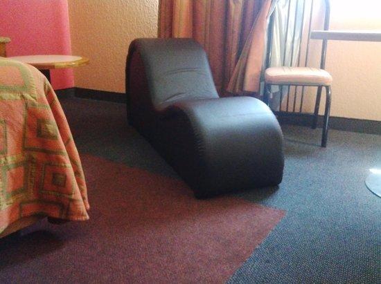 Habitaci n con sill n tantra fotograf a de hotel siesta - Sillon tantra ...