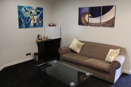 City Lights Boutique Lodge: living area
