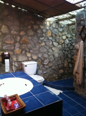 Thongbay Guesthouse: fantastiskt badrum