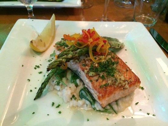 Tavolino: Pistachio encrusted Salmon with Aspragas and risotto