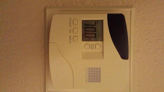DoubleTree Suites by Hilton Orlando - Disney Springs Area: Temperature