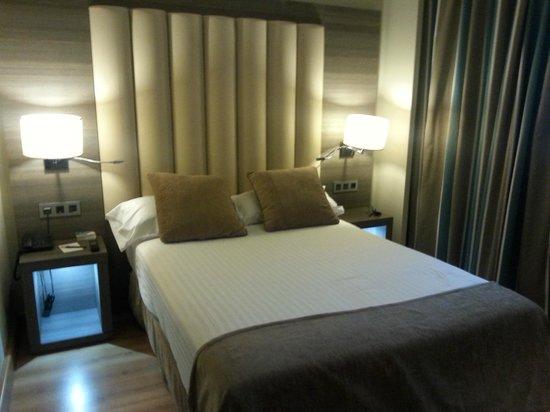Sercotel Gran Hotel Luna de Granada: habitacion confortable