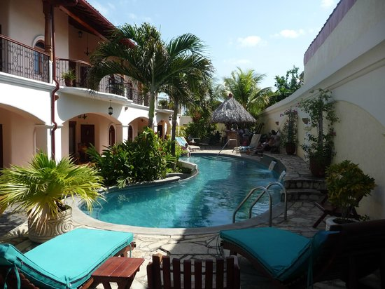 Hotel Xalteva: Xalteva pool view