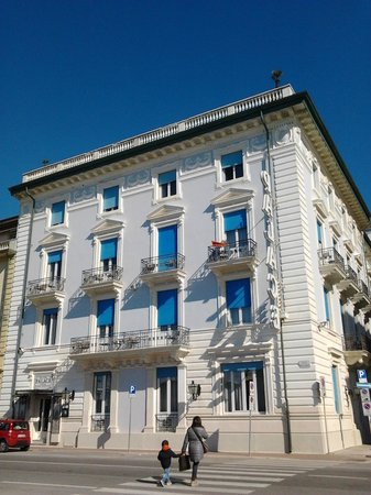 Palace Hotel: façade de l hôtel