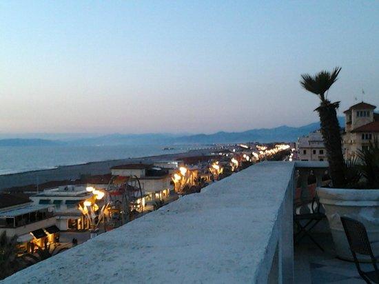 Palace Hotel: Vue depuis la terrasse