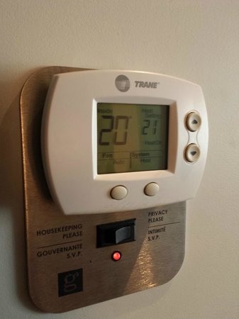 Hotel Le Germain Calgary: Nice room controls for heat and room status