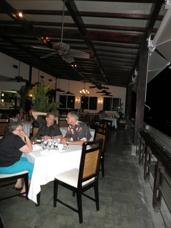 Gaia Hotel & Reserve: Dining room