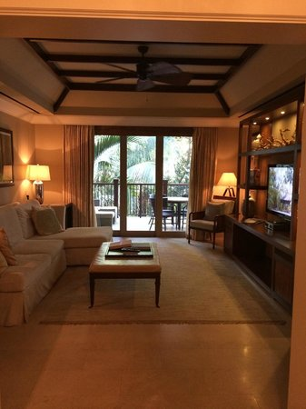 The St. Regis Bahia Beach Resort: Living room of suite