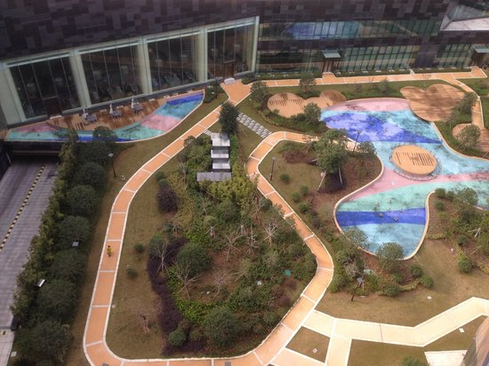 Pan Pacific Ningbo: View to the garden