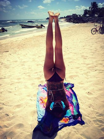 Zamas: Yoga on the beach :)