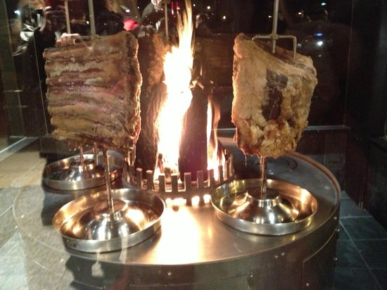Fogo de Chao Brazilian Steakhouse: Georgeous Presentation