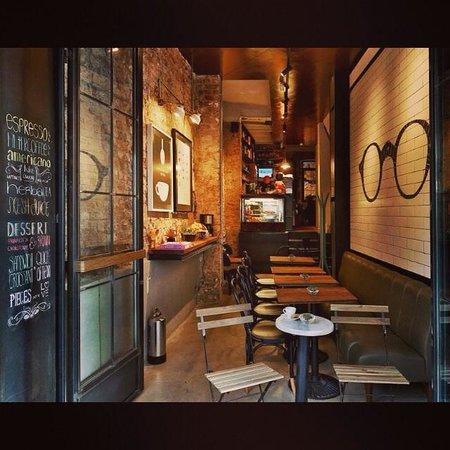 Pas coffee house istanbul beyoglu restaurant reviews for Guest house harbiye