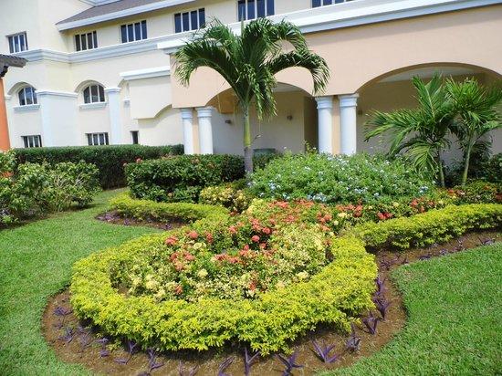Iberostar Grand Hotel Rose Hall: front of resort