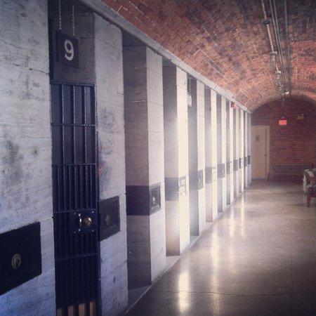 HI Ottawa Jail Hostel: Interior hallway.