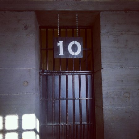 HI Ottawa Jail Hostel: Our cell door.